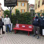 """Panchina rossa contro la violenza sulle donne """"Centro per non subire violenza"""" Associazione Noi per Voi Masone"""